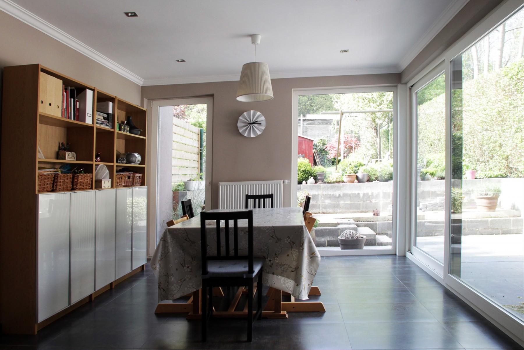merni 005. Black Bedroom Furniture Sets. Home Design Ideas