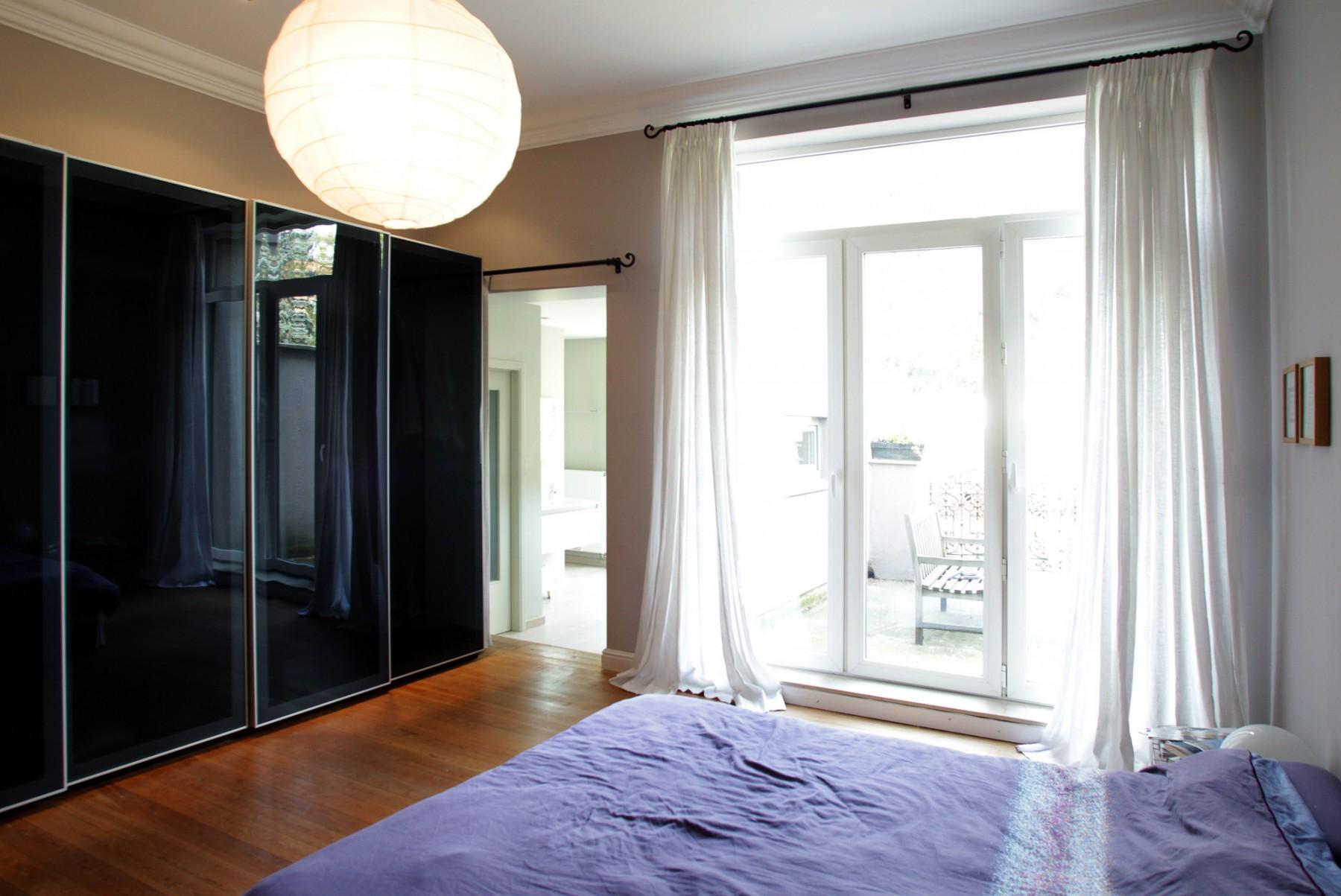 merni 009. Black Bedroom Furniture Sets. Home Design Ideas